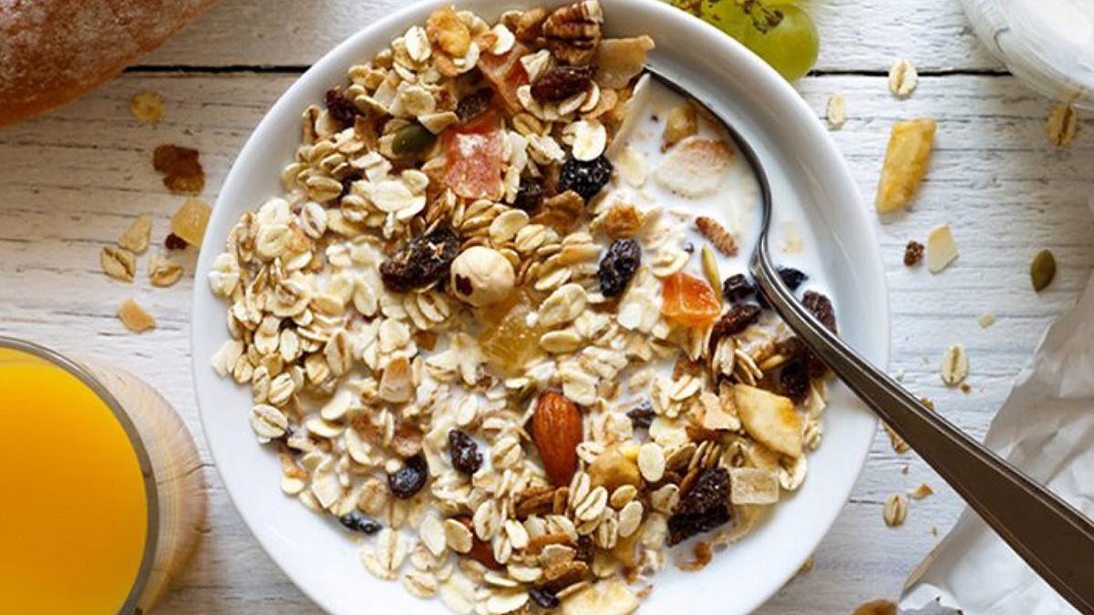 каша витамины орехи фрукты диета девушка