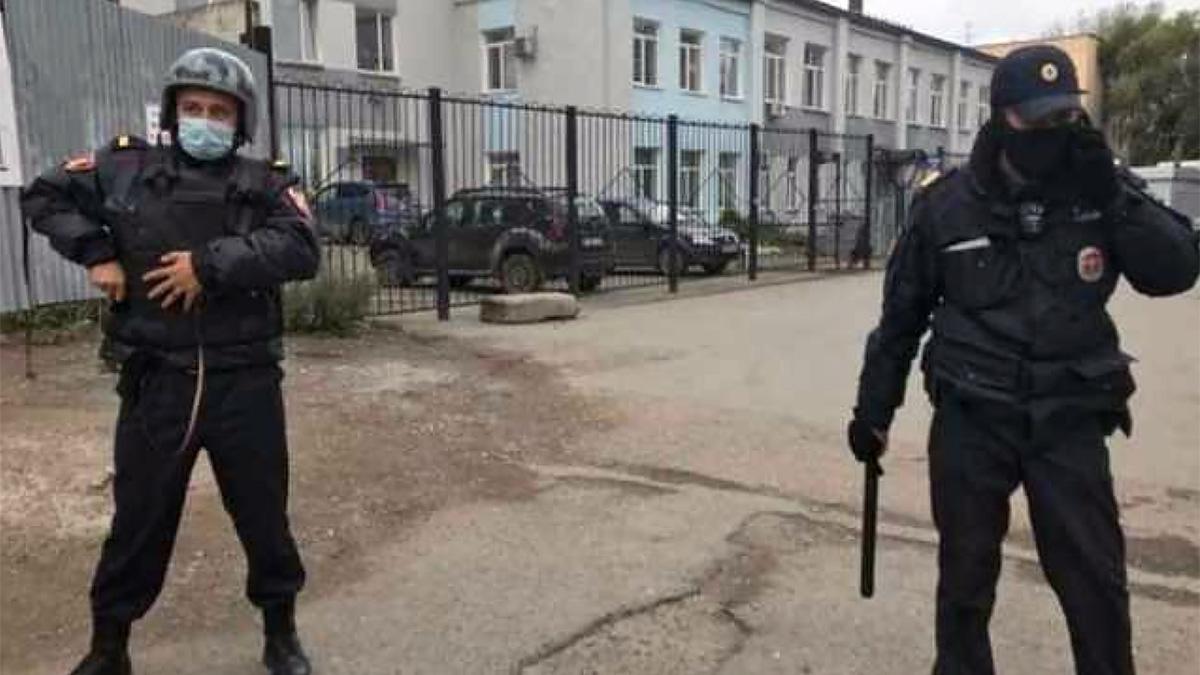 Полиция оцепила место стрельбы в Перми