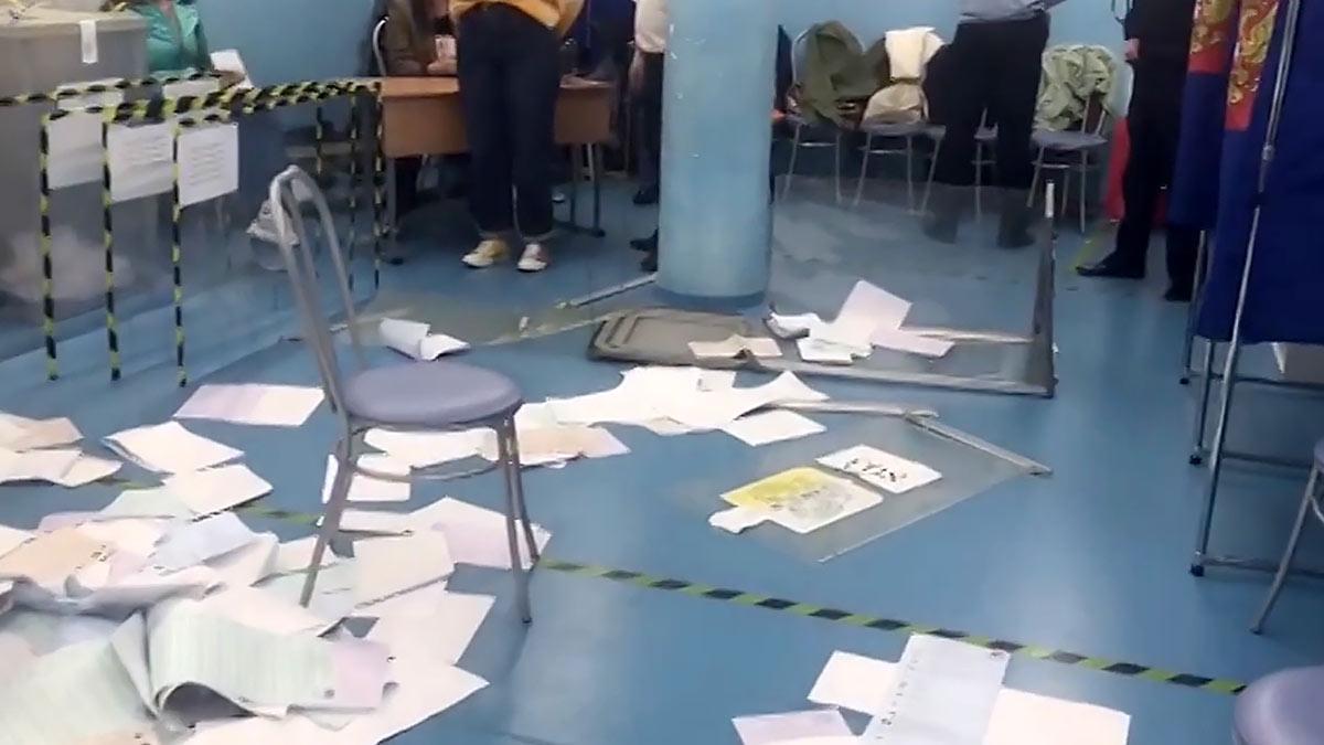 Погром избирательного участка № 803