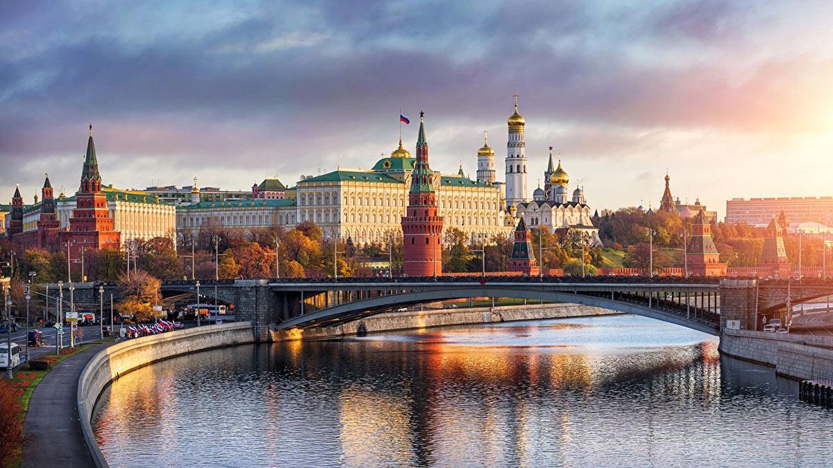 Красивый вид на Кремль