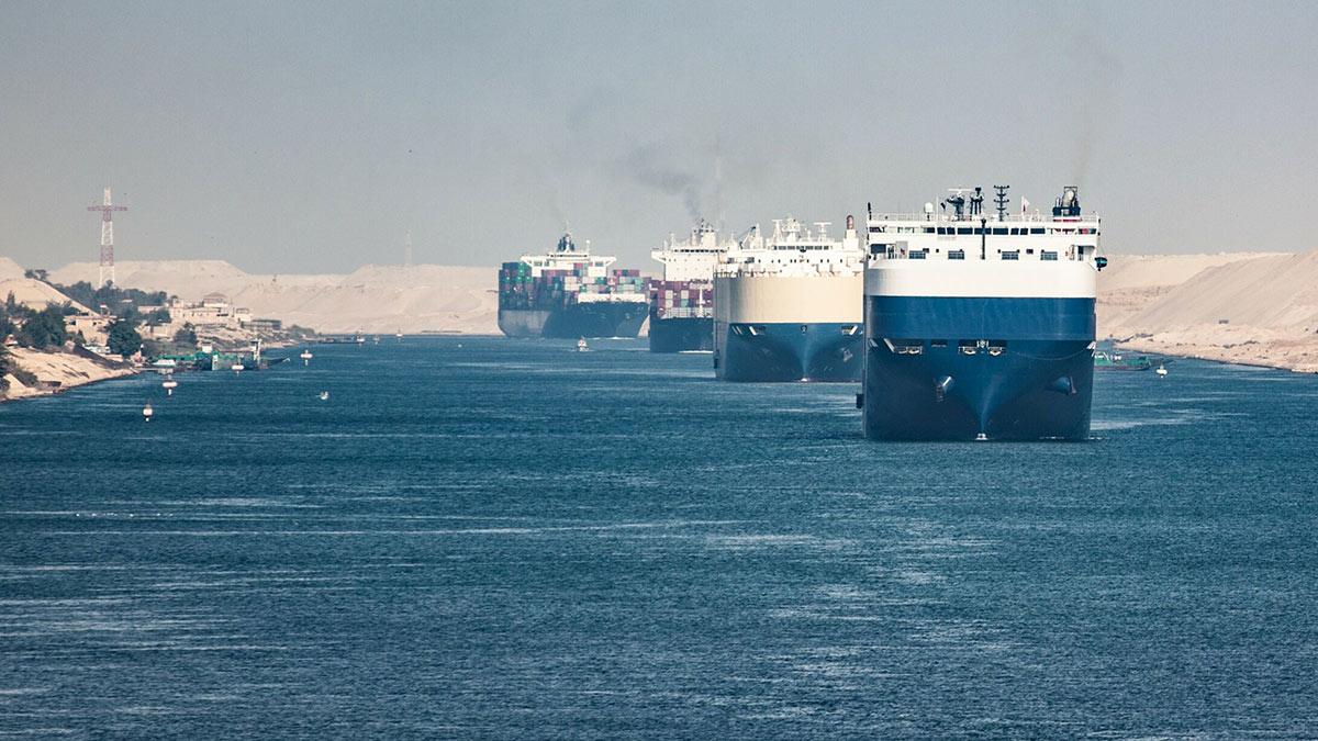 Суэцкий судоходный канал