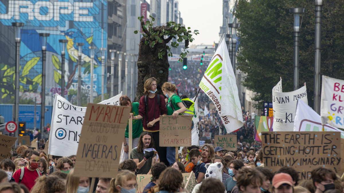 Акция по борьбе с изменением климата в Брюсселе