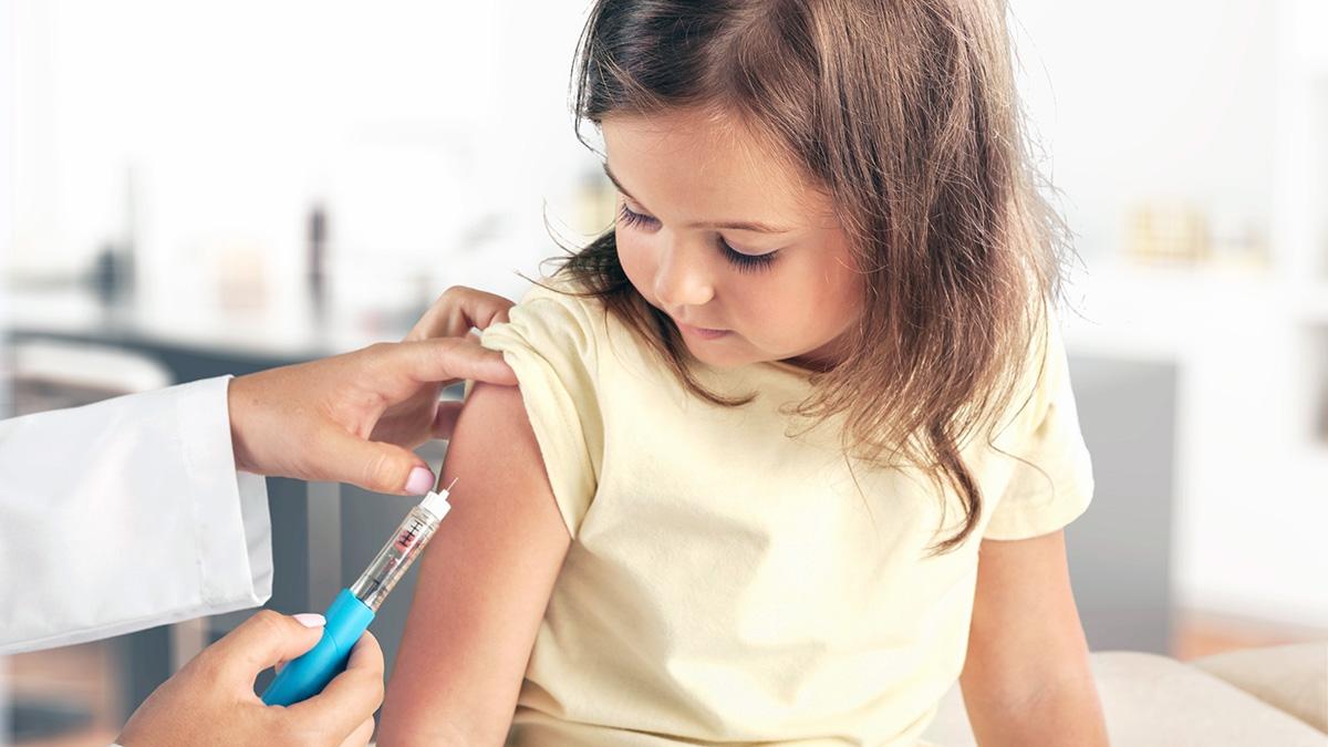 Вакцинация детей от COVID-19 может начаться в январе 2022 года