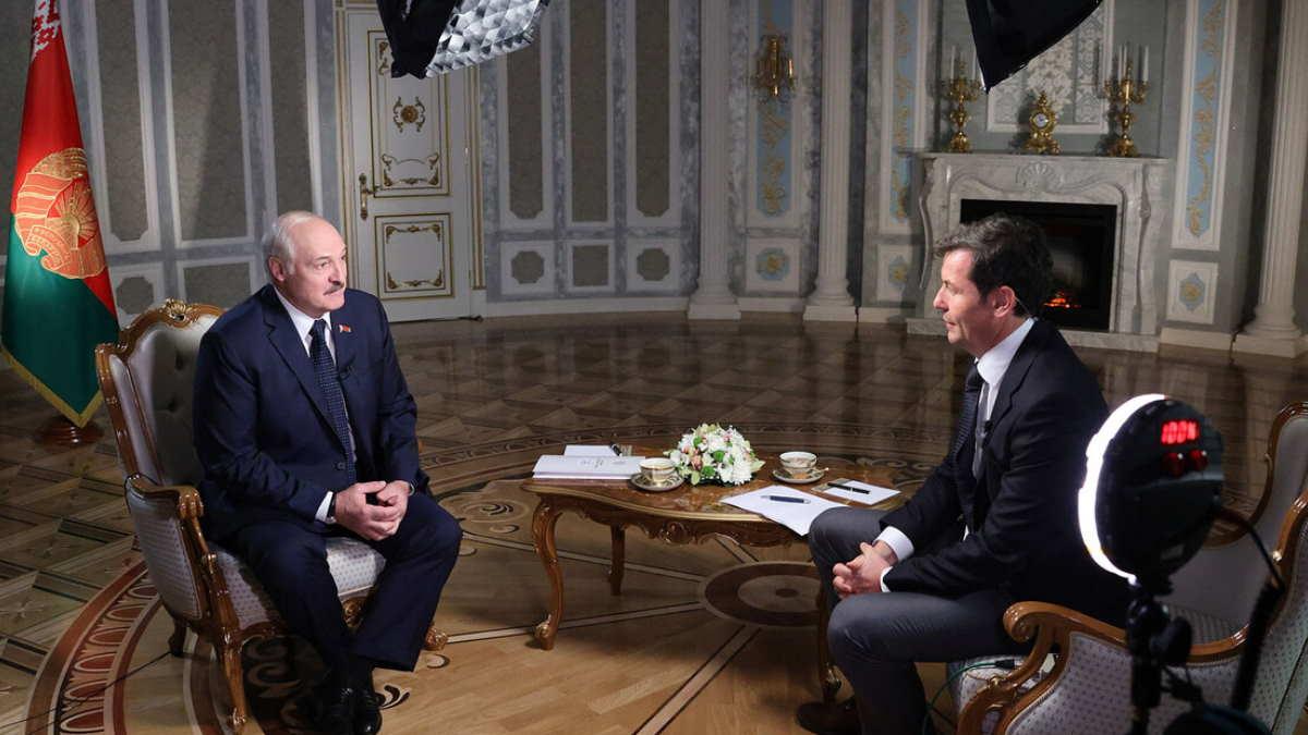 Александр Лукашенко даёт интервью CNN