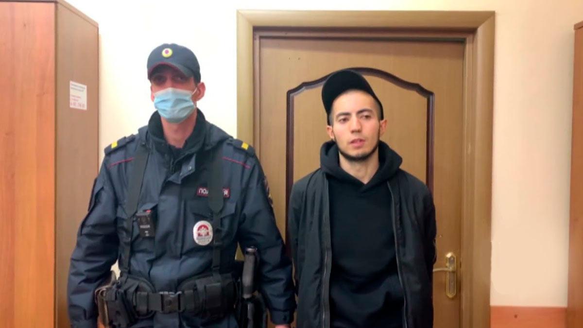 Полицейские рассказали, как задерживали тех, кто избил пассажира в метро