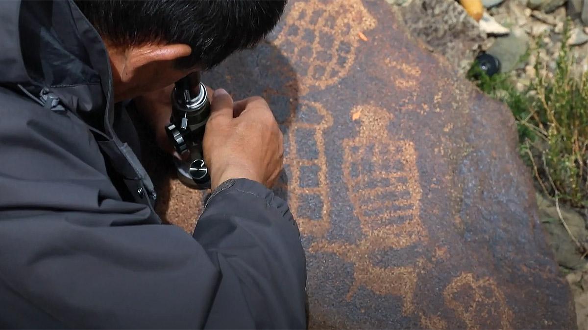 рисунки на плато озера Намцо, Тибет